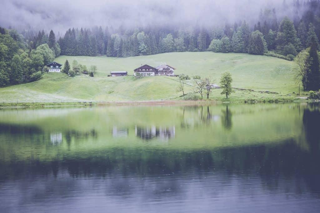 landscape-1513890_1920.jpg